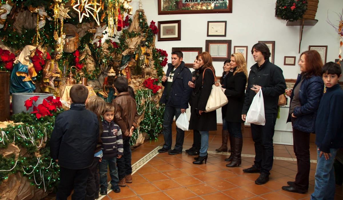 Visitantes en el Museo del Anís de Rute