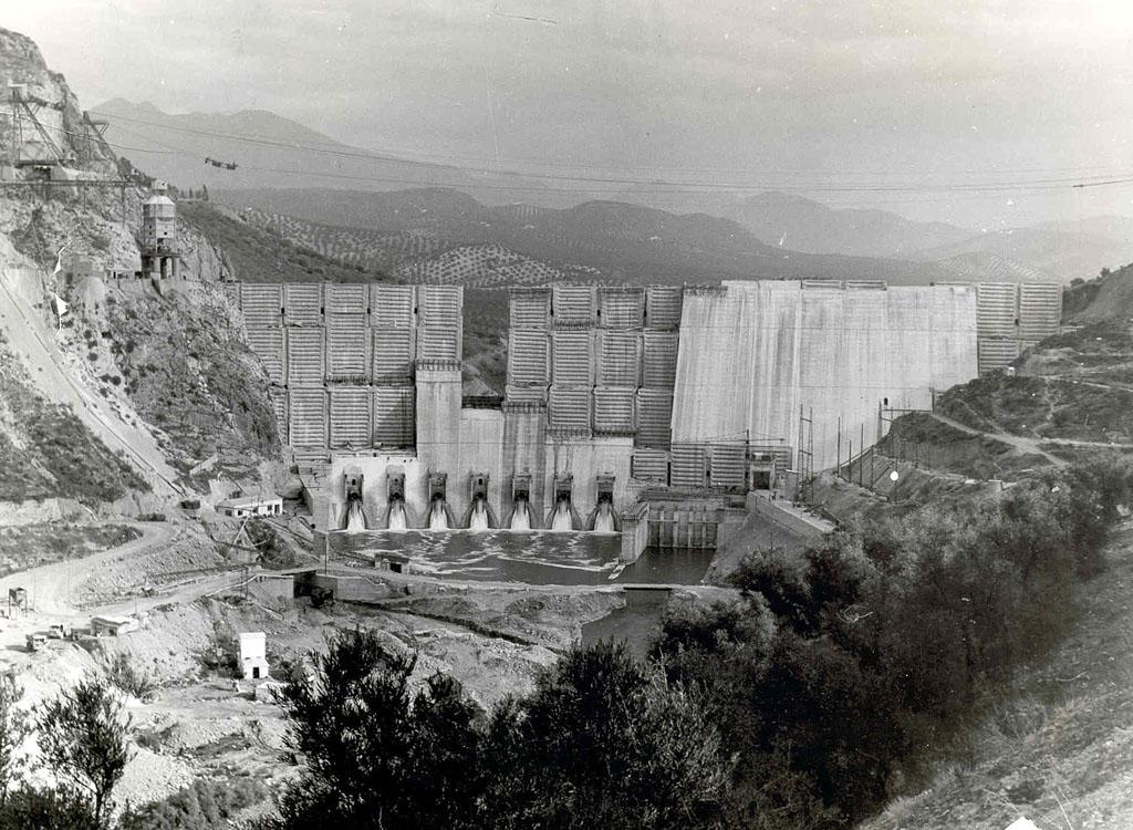 Construcción de la Presa de Iznájar