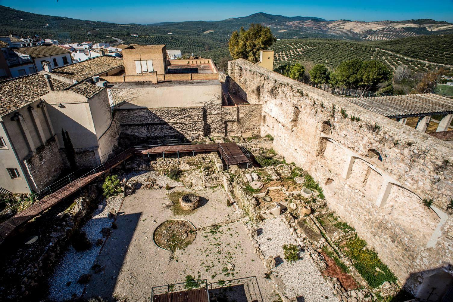 Castillo y conjunto arqueológico de Doña Mencía