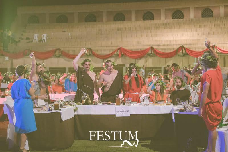 Banquete romano en FESTUM