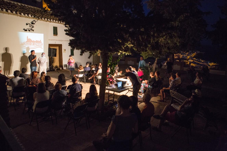 Asistentes a una de las actividades de la Muestra de Cine Lago de Iznájar